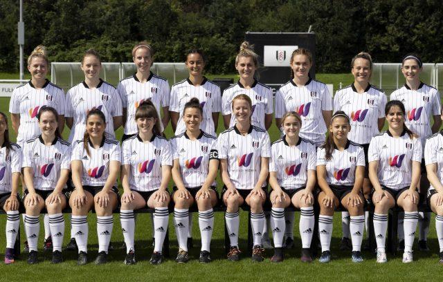 Squad photo Fulham FC Women 2021/22